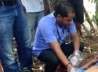 El cuerpo de Fausto Álvarez fue levantado por autoridades de la Fiscalía, la Policía y el médico legista Emilio Hiciano.