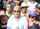 Manuel Rivas durante la marcha por sectores de Santo Domingo Oeste.