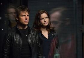 Tom Cruise y Rebecca Ferguson en una escena de