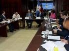 Andrés Navarro se reunió con legisladores ayer.