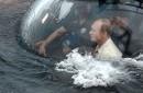 Presidente ruso Vladimir Putin está a bordo de un batiscafo que se sumerge en el Mar Negro frente a la costa de Sebastopol, Crimea, martes 18 de agosto de 2015.