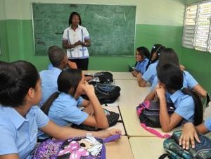 Los profesores y técnicos de educación tienen unos 10 niveles salariales.