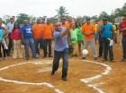 Durante la inauguración del torneo softbol molichata de Santo Domingo.