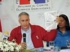 Junior Arias Noboa presenta pruebas durante la conferencia de prensa celebrada ayer.
