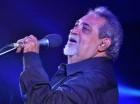 El cantautor Anthony Ríos está ingresado en la Clínica de Otorrinolaringología.