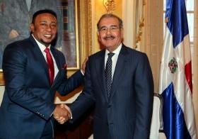 Anthony Santos fue recibido por el presidente Danilo Medina en su despacho.