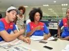José Leokhart, Violeta Ramírez y Elsa Mateo en la redacción de elCaribe.