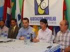 José Blas Díaz (izq), José Luis Magadán y Michel Disla durante la rueda de prensa.