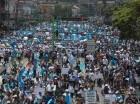 Guatemaltecos se lanzan a las calles para pedir la renuncia de Otto Pérez.