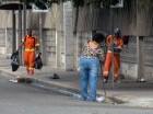 Empleados que integran brigadas de limpieza tuvieron un fin de semana intenso.