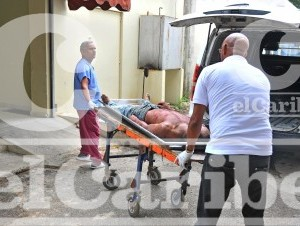 Cadáver de Ezequiel Guzmán Brito, alías Batatica, quien era buscado por el asalto a una sucursal de banco Popular, donde fue aseesinado el vigilante de seguridad.