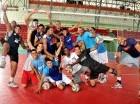 El joven equipo dominicano de voleibol masculino de mayores entrena todos los días en el pabellón del Centro Olímpico.