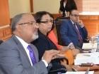 Los miembros de la comisión de justicia durante su reunión.