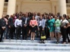 Jóvenes realizan recorrido en las instalaciones del Palacio Nacional.