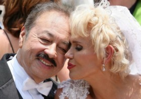 Charytin junto a Elín Ortiz cuando renovaron sus votos matrimoniales.