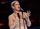 "Kelli O'Hara canta ""The Lord's Prayer"" en la misa del papa en Madison Square Garden."