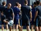Neymar durante los entrenamientos del Barcelona ayer.