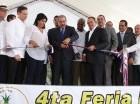 El presidente Danilo Medina corta la cinta para dejar iniciada la Feria de la Piña, Cevicos 2015.