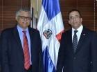 El ministro de Relaciones Exteriores, Andrés Navarro, y el secretario general de la Asociación de Estados del Caribe (AEC), Alfonso Munera.