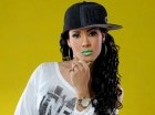 """La cantante Rachel """"La Fresita"""" promueve """"Lo tuyo es fama"""", a dúo con Vakeró."""