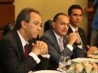 José Mármol, vicepresidente ejecutivo de Relaciones Públicas y Comunicaciones; Juan Lehoux A., vicepresidente ejecutivo de Negocios Personales y Sucursales y Francisco Ramírez, vicepresidente de Mercadeo.