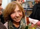 Svetlana Alexiévich, de 67 años, era la gran favorita en las casas de apuestas y en Estocolmo.