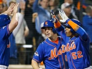 Yoenis Céspedes remolcó tres carreras con un jonrón para los Mets.