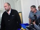 El piloto Pascal Jean Fauret, condenado a 20 años de prisión en RD, hablando durante una rueda de prensa en Francia.
