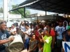 Comunitarios protestan con cacerolazos contra aumento de productos.