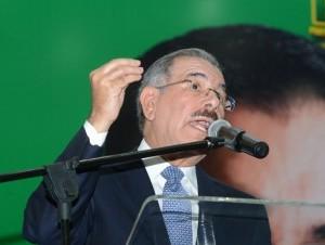 Danilo Medina habla en el acto de proclmación del PAL.
