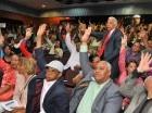 Los profesores, reunidos ayer en asamblea, exigieron al rector transparentar la nómina de la academia.
