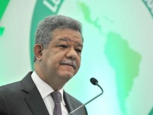 Leonel Fernández en la actividad de la Copppal.