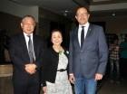 Embajador Takashi Fuchigami, Noriko Fuchigami y José Antonio Rodríguez.