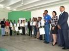 Tras la entrega de reconocimientos en la conferencia motivacional Un Impulso al Éxito.