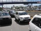 Los tapones aumentan gastos de combustible de conductores de vehículos.
