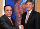 Héctor Valdez Albizu, del BC, y Michael Corbat, del Citigroup.