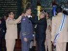 Durante la ceremonia en la academia Batalla de las Carreras el mandatario condecoró al ministro de Defensa, los comandantes de los cuerpos castrenses y al jefe de la Policía Nacional.