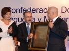 Codopyme entregó un reconocimiento al presidente Danilo Medina.