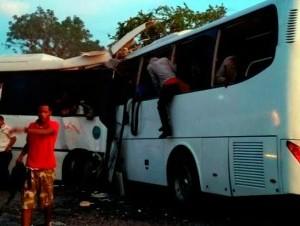 El accidente de ayer dejó 11 personas muertas y unas 77 heridas.