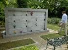 Los restos del maestro Carlos Piantini descansan en el columbario del cementerio Puerta del Cielo.