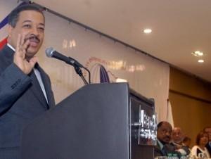 Roberto Rosario participó en el acto de juramentación de la directiva de la ADP.