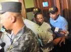 El sindicalista Arsenio Quevedo  fue conducido ayer ante un juez bajo estrictas medidas de seguridad junto al también gremialista Danilo Octavio Reynoso. Ambos son señalados como miembros de una red de sicarios que asesinaron choferes.