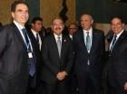 Presidente Medina junto a la comitiva que le acompaña en Cumbre Climática.