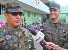 """A la izquierda, el mayor general José Matos de la Cruz al momento de anunciar la """"Operación Escudo"""", en la Fortaleza Fernando Valerio, sede de la Segunda Brigada, para reforzar los 388 kilómetros de la franja fronteriza."""