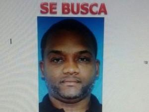 Alexis Manuel Rivera Martínez, buscado por la Policía por robo de vehículos.
