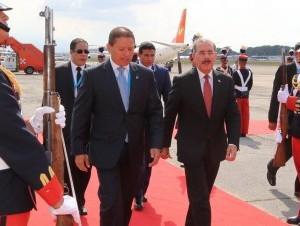 El presidente Danilo Medina al llegar a Guatemala.