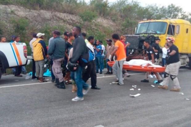 Resultado de imagen para Dos muertos y cuatro heridos al deslizarse un vehículo en la carretera Maizal-Esperanza