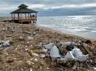 Contaminación en la playa de Güibia.