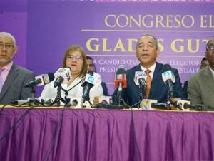 Rubén Bichara encabezó una rueda de prensa para dar detalles del acto.