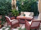 Los jardines son un rincón con un encanto especial para disfrutar de cenas familiares o con amigos, o simplemente para tumbarse y disfrutar.